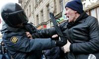 Кремль отклонил призыв США и ЕС освободить протестующих