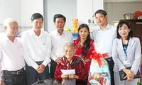 Во Вьетнаме продолжаются мероприятия в честь Дня инвалидов войны и павших фронтовиков