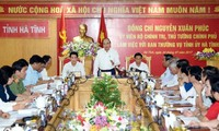 Нгуен Суан Фук провел рабочую встречу с руководством провинции Хатинь
