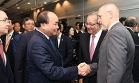 Премьер-министр Вьетнама Нгуен Суан Фук провёл диалог с крупными инвесторами США