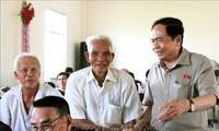 Председатель ЦК ОФВ встретился с избирателями в городе Кантхо
