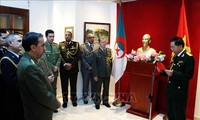 Армии Вьетнама и Алжира укрепляют дружбу и сотрудничество