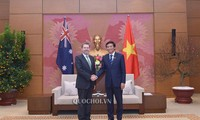 Генеральный секретарь Национального собрания Вьетнама встретился с президентом Сената Австралии