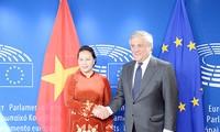 Нгуен Тхи Ким Нган провела переговоры с председателем Европарламента Антонио Таяни