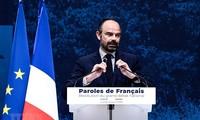 Премьер-министр Франции призвал к снижению налогов, чтобы успокоить «желтых жилетов»