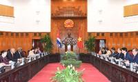 PM Vietnam, Nguyen Xuan Phuc menerima Ketua Parlemen Kuba, Esteban Lazo Hernandez