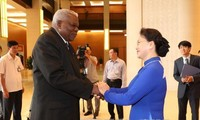 Ketua MN Vietnam, Nguyen Thi Kim Ngan melakukan pembicaraan dengan Ketua Parlemen Kuba, Esteban Lazo Hernandez