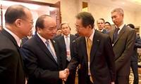 PM Vietnam, Nguyen Xuan Phuc melakukan pertemuan dengan beberapa investor di kawasan Asia-Pasifik