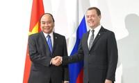 PM Vietnam, Nguyen Xuan Phuc melakukan pertemuan dengan PM Rusia dan Presiden Filipina