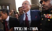 Mantan PM Malaysia, Najib Razak dibawa ke pengadilan dan harus menghadapi tuduhan korupsi