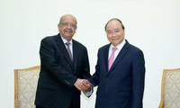 PM Vietnam, Nguyen Xuan Phuc  menerima Menlu Aljazair