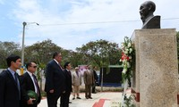 Rakyat Republik Dominikana  memuliakan Presiden Ho Chi Minh