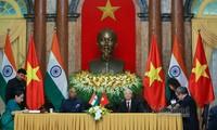 Vietnam-India memperkuat kerjasama bilateral di banyak bidang