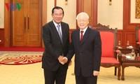 Sekjen, Presiden Vietnam, Nguyen Phu Trong menerima PM Pemerintah Kerajaan Kamboja, Samdech Techo Hun Sen