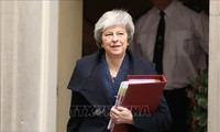 PM Inggris, Theresa May mencapai kemenangan yang berarti pada saat-saat  yang sangat sulit