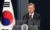 Repubik Korea: Presiden Moon Jae-in menduduki posisi pertama daftar pilihan tokoh dalam tahun, menyusul kemudian ialah Park Hang Seo