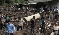 Kelongsoran tanah di Indonesia, puluhan orang tewas
