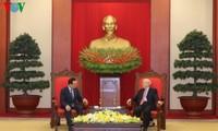 Memperkokoh dan memperdalam lebih lanjut lagi hubungan kemitraan kerjasama strategis Vietnam-Republik Korea