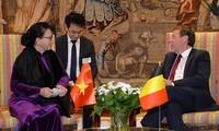 Ketua MN Vietnam, Ibu Nguyen Thi Kim Ngan secara terpisah melakukan pertemuan dengan Ketua Majelis Rendah Kerajaan Belgia dan Ketua Komisi Perdagangan Internasional dari Parlemen Eropa