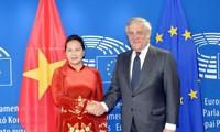 Ketua MN Nguyen Thi Kim Ngan melakukan pembicaraan dengan Presiden Parlemen Eropa