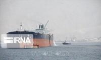 Ketegangan di Teluk: Iran memperingatkan wilayah-wilayah laut akan tidak aman kalau Teheran tidak bisa mengekspor minyak