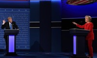 Poll: Clinton Leads Trump in 5 Battleground States