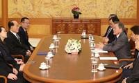 South Korean president meets North Korean leaders