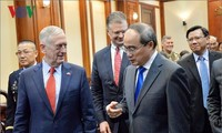 HCM City leader greets US Secretary of Defence