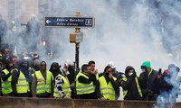 Number of 'yellow vest' protesters rises