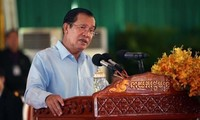 Cambodian PM criticizes Singaporean PM's remarks on Vietnam and Cambodia