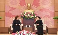 Ketua MN Nguyen Thi Kim Ngan menerima Wakil Ketua Duma Negara Rusia, Olga Epifanova