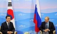 Presiden Republik Korea dan Rusia melakukan pembicaraan di Singapura