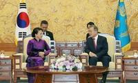 Ketua MN Vietnam, Nguyen Thi Kim Ngan melakukan pertemuan dengan Presiden Republik Korea, Moon Jae-in