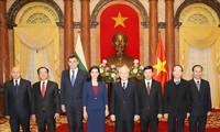 Vietnam bersedia menciptakan semua syarat yang kondusif  bagi para Dubes untuk menyelesaikan tugas