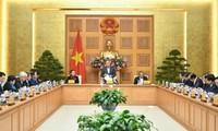 PM Nguyen Xuan Phuc memimpin sidang Subkomisi Sosial-Ekonomi