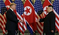 Pertemuan puncak ke-2 AS-RDRK: Presiden Donald Trump dan Pemimpin Kim Jong-un memulai hari ke-2 konferensi