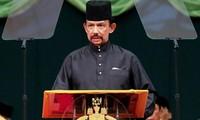 Sultan Brunei Darussalam  melakukan kunjungan kenegaraan di Vietnam