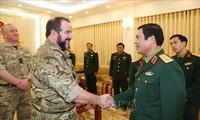 Viet Nam – Inggris memperkuat kerjasama di bidang kedokteran militer menjaga perdamaian