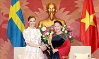 Ketua MN Vietnam, Nguyen Thi Kim Ngan menerima Putri Mahkota Swedia, Victoria Ingrid Alice Desiree