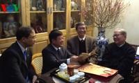 Spitzenpolitiker besuchen zum Tet-Fest Behörden