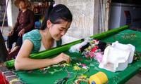 Die bekannte Stickerei im Dorf Van Lam in der Provinz Ninh Binh