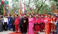 Staatspräsident Truong Tan Sang nimmt an Zeremonie zum Todestag der Hung-Könige teil