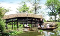 Besuch der Ziegelbrücke Thanh Toan in Hue