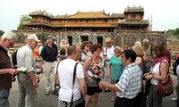 Anzahl der Touristen in Hue und Khanh Hoa steigt zum traditionellen Tetfest