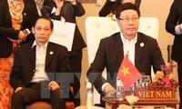 Vize-Premierminister, Außenminister Pham Binh Minh nimmt an der ASEAN-Außenministerkonferenz teil