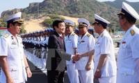 Staatspräsident Truong Tan Sang nimmt an der Einweihung des internationalen Hafens Cam Ranh teil