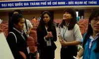 Eröffnung des ersten internationalen Wissenschaftsforums für Studenten in Vietnam