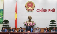 Premierminister Nguyen Xuan Phuc empfängt die Delegation der Stiftung Vu A Dinh