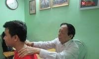 Behandlungsmethode durch das Einwirken auf die Wirbelsäule bringt den Patienten neue Hoffnung