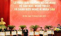 Verleihung des Ho-Chi-Minh-Preises und Preises des Staates für Literatur und Kunst 2016